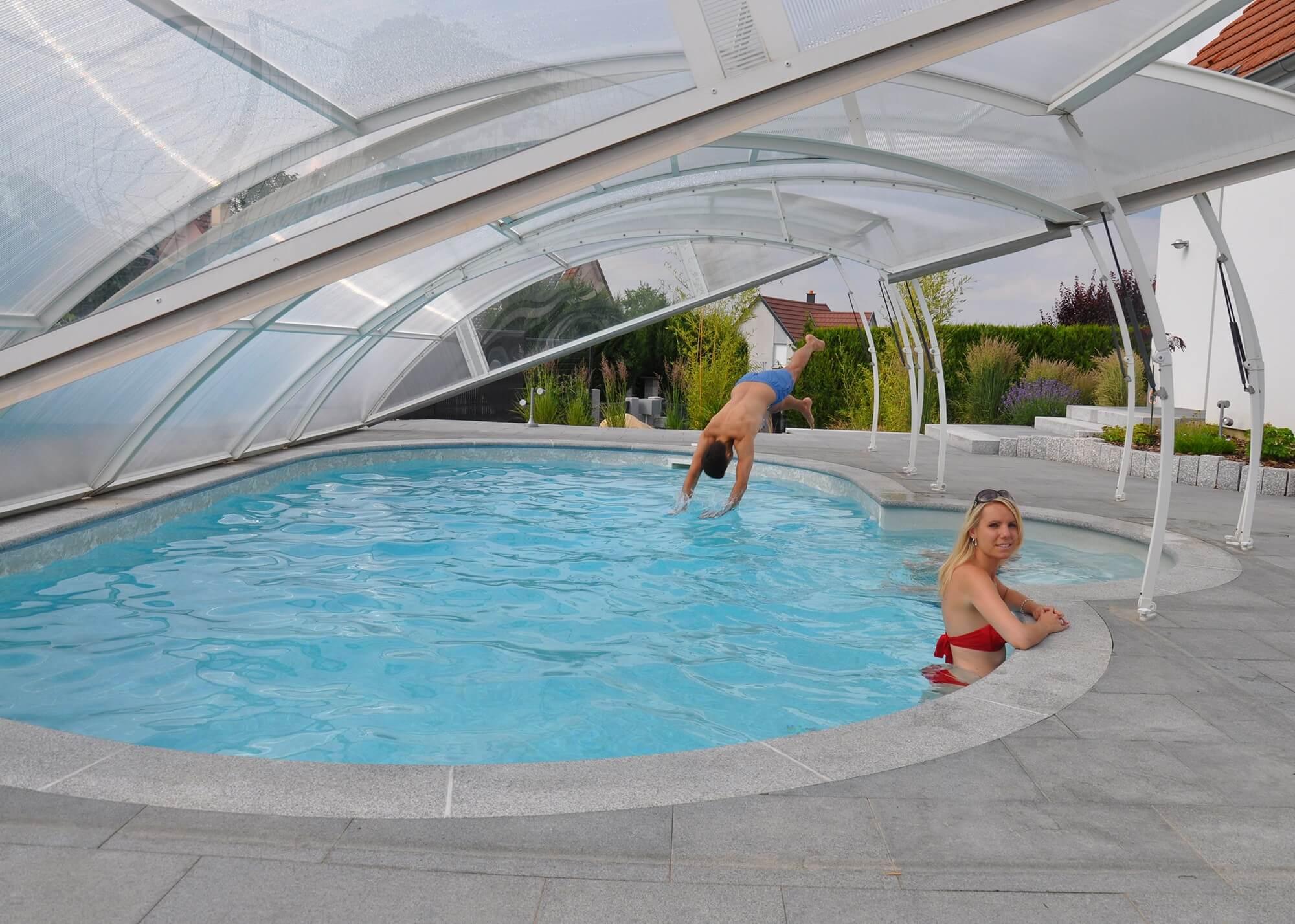 Abri amovible pour piscine piscines waterair for Piscine amovible