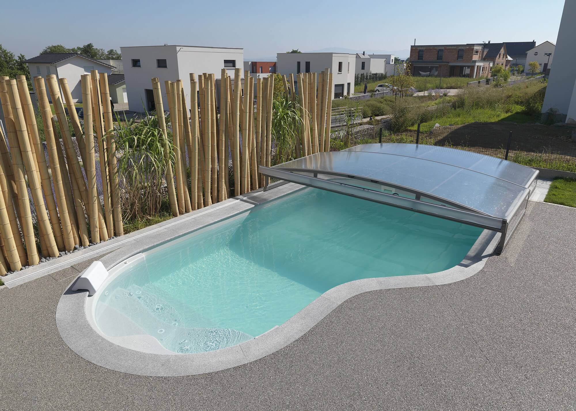 Abri t lescopique bas pour piscine piscines waterair for Abri piscine waterair