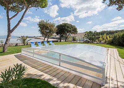 Une piscine chauff e toute l 39 ann e piscines waterair for Chauffage abri piscine
