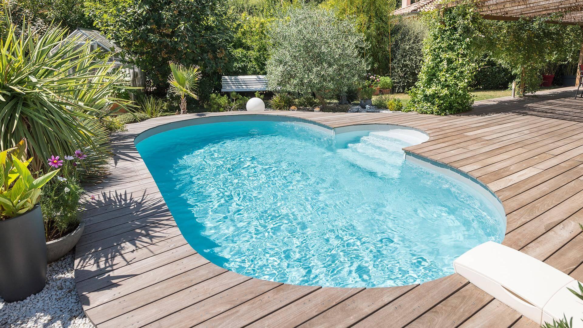 Prix Piscine Aquilus Mini Water piscine ovale olivia : l'espace de nage idéal   piscines